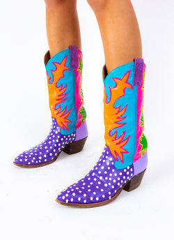 SPECKLED N SUCH COWBOY BOOTS (size 9.5)