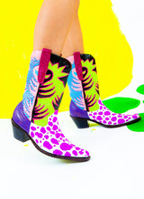 JUNGLE KISS COWGIRL BOOTS (size 10)