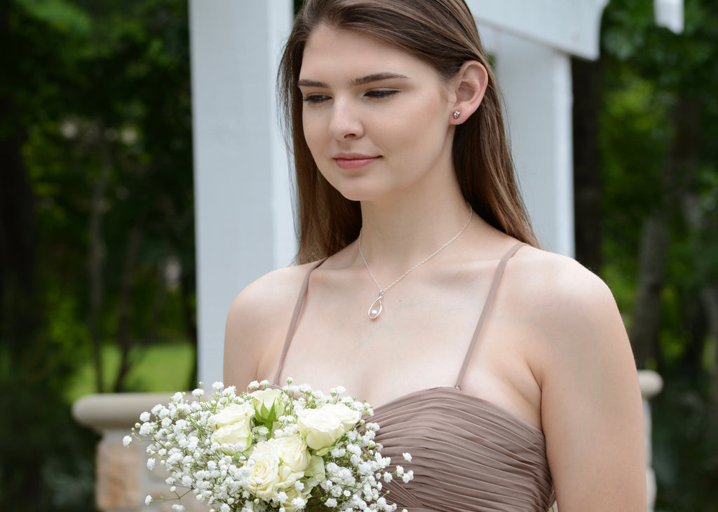 Bridesmaid necklace