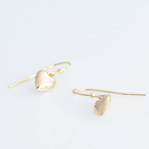 14K Gold Tiny Heart Earrings - Sash Jewelry