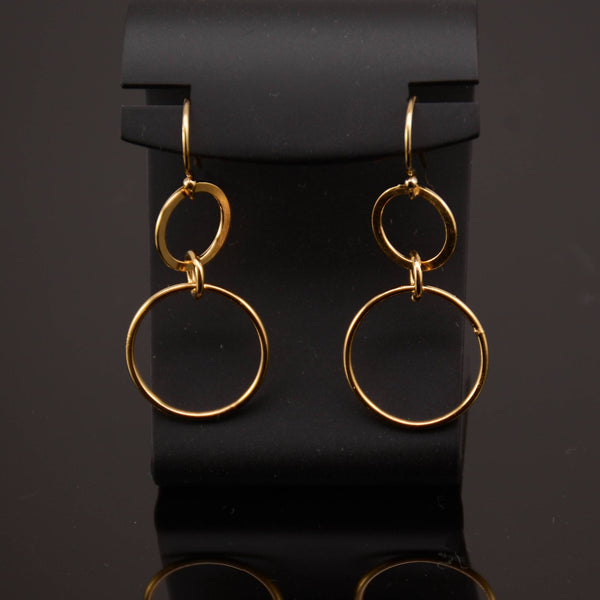 Circles earrings. Dainty gold circle earrings. Gold filled earrings . Everyday earrings - Sash Jewelry