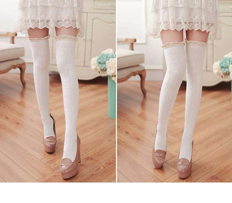LACE KNEE HIGH SOCKS
