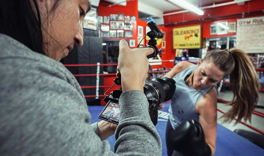 ph daniel sanchez filmming female boxer