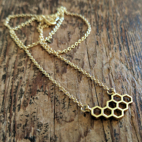 Bee's necklace