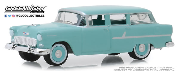 Greenlight 1:64 Estate Wagons Series 4 : 1955 Chevrolet Two-Ten Townsman - Sea Mist Green