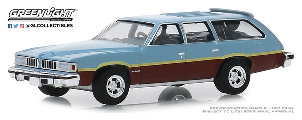 Greenlight 1:64 Estate Wagons Series 4 : 1977 Pontiac LeMans Safari Wagon - Glacier Blue Metallic with Woodgrain