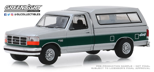 Greenlight 1:64 Blue Collar Collection Series 6 : 1996 Ford F-150 XLT with Camper Shell