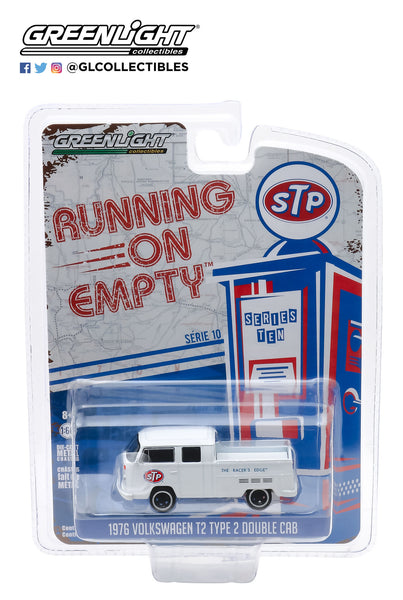 "1:64 Running on Empty Series 10 - 1976 Volkswagen T2 Type 2 Double Cab Pick-Up - STP ""The Racer's Edge"""