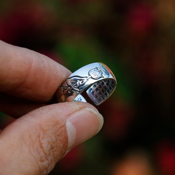 Praying Hand with Buddhist Sutra Sterling Silver Ring, Tibetan Buddhism Ring - ZentralDesigns