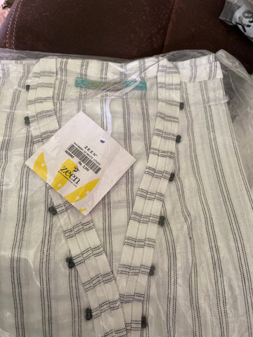 Zeen White n black shirt size 12 medium