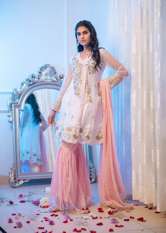 Phatyma Khan rose White xs suit gharara