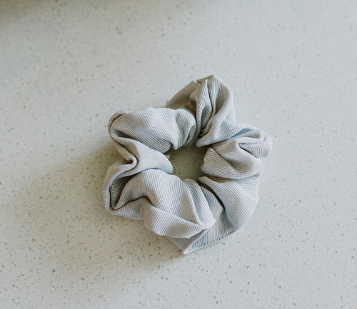 Grey Ribbed Schrunchie