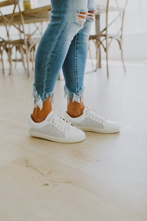 shoes sneakers fall outfits white perforated sneakers