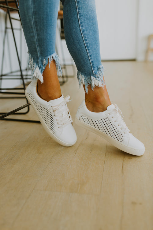 shoes sneakers fall outfits white platform sneaker