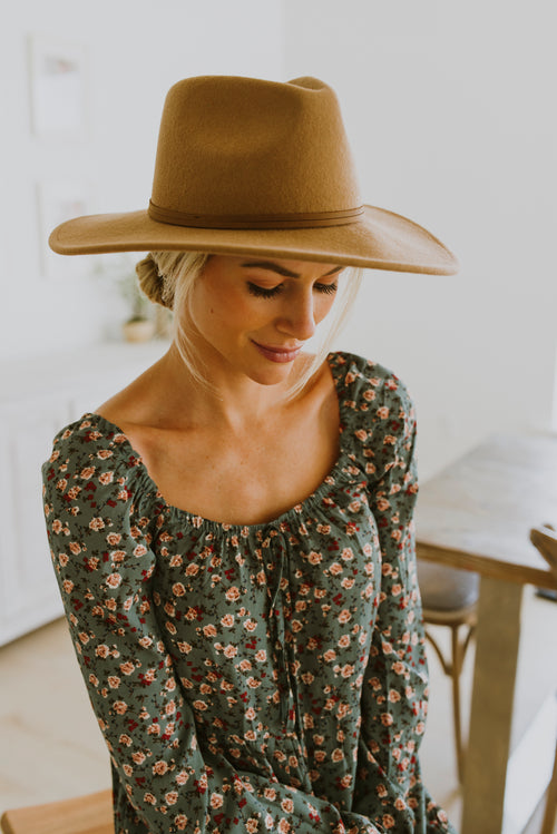 camel wool panama hat outfit ideas