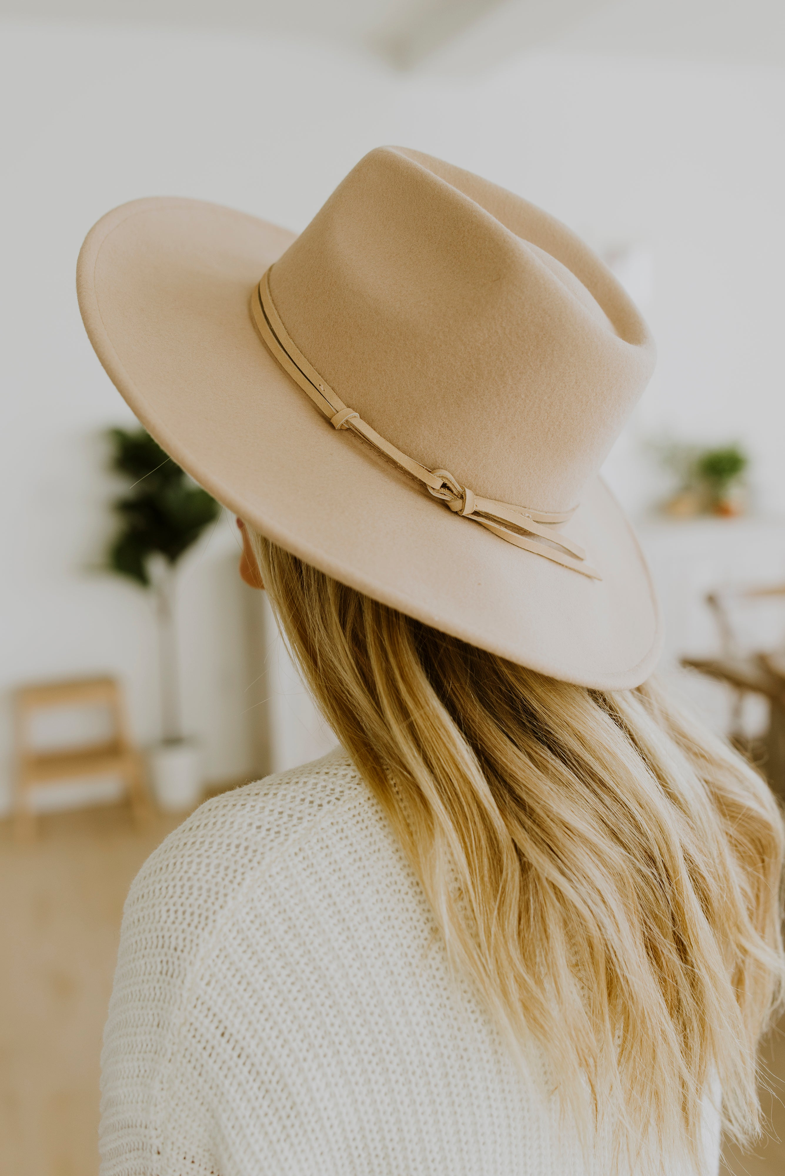 boutique, winter outfits, 2021, outfit ideas, outfits, hats, hats for women, fedora, panama hat, wide brim hat outfit, outfits with hats, panama outback hat, wool panama hat, wool panama hat womens, wool hat with brim, wool hat womens, women's panama hat, trendy outfits, 2021 fashion trends, cute winter outfits, cute hats, winter hats, street style aesthetic, outfit, winter brunch outfit, teacher outfits, style, streetwear, street style, winter fits, winter streetwear, winter fashion