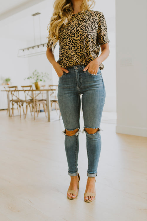 fall outfits ripped cuffed hem skinny jeans