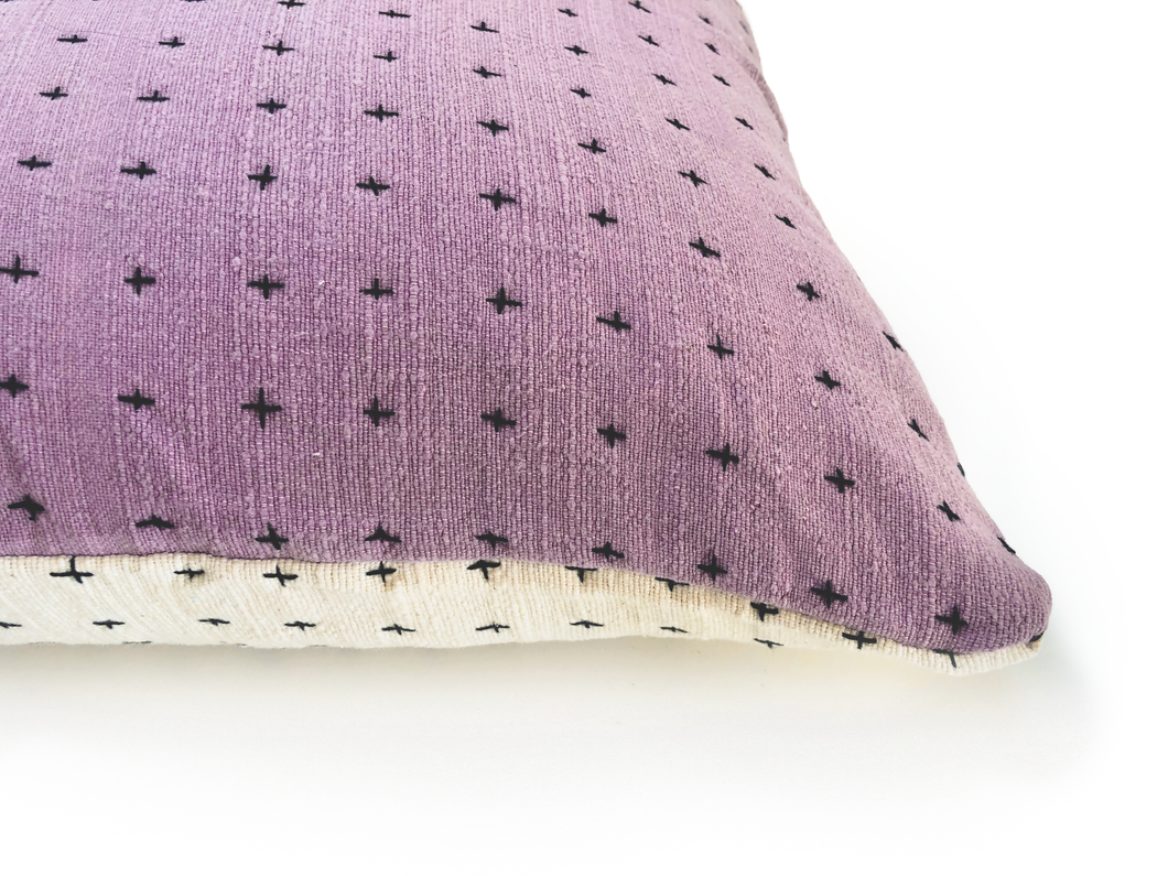 Pillow White & Lavender 18x18in