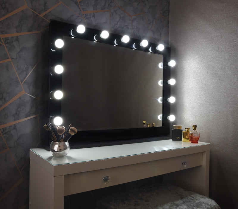 "Hollywood Mirror 42""x30"" With Stand - Black"