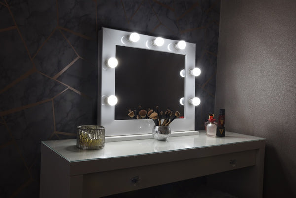 "Hollywood Mirror 26""x20"" With Stand - White"
