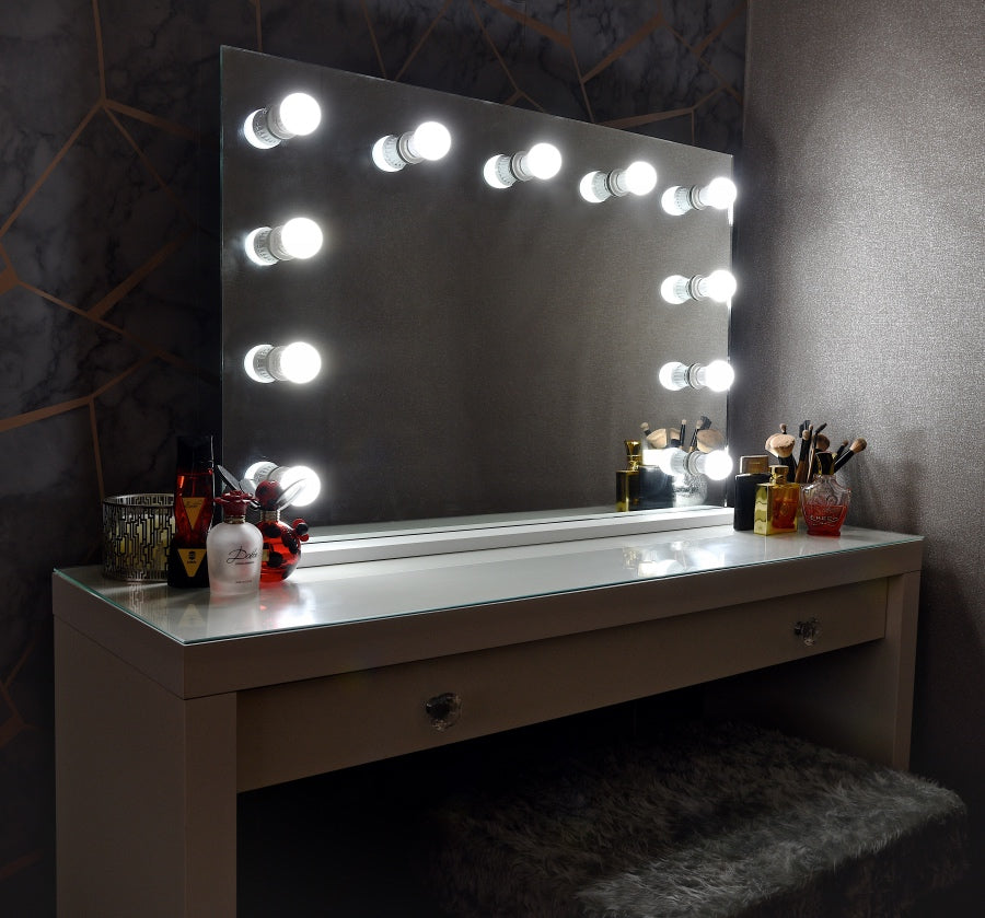 Hollywood 'EDGE' Mirror