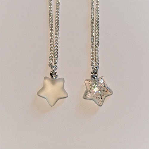 Resin star necklace