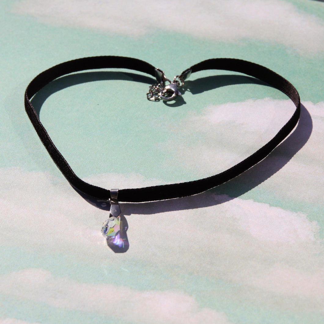 Small Droplet Thin Velvet Choker