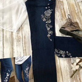 3137-Embroidered Denim Pull On Pants