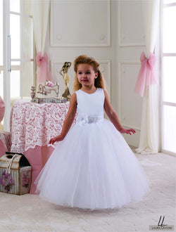 AMAZING SLEEVELESS THREE QUARTERS LENGHT GIRLS DRESS FOR WEDDINGS