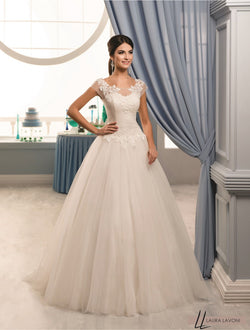 BEAUTIFUL FLOOR LENGHT FLORAL WHITE LACE WEDDING DRESS - Allison