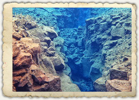 silfra snorkel between two continents / tectonic plates
