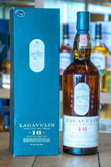 Lagavulin 16 year old whisky Front