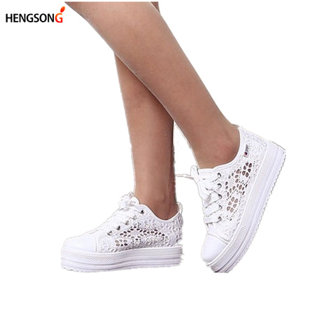 Casual Cutouts Lace Canvas Shoes Summer Women Shoes Hollow Floral Breathable Platform Flat Shoes White Black Color TR863613