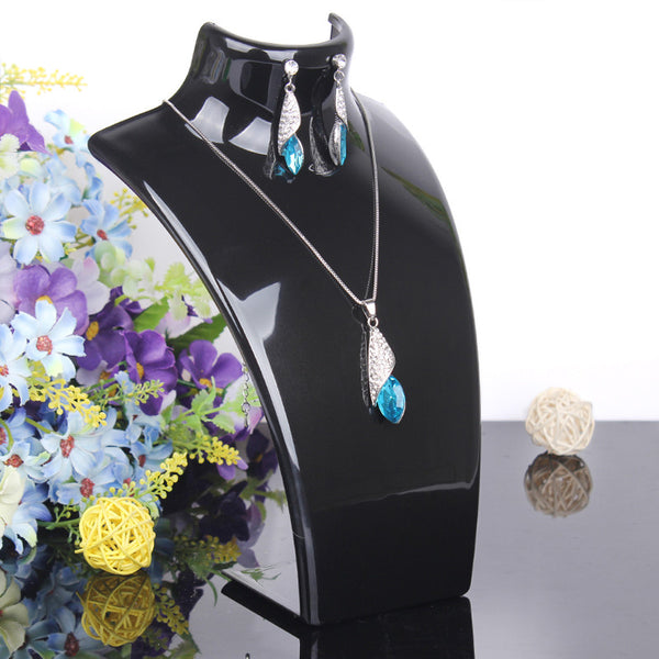 2014 New and Hot sale Black color 20*13.5cm Mannequin Necklace Jewelry Pendant Display Stand Holder Show Decorate Retail