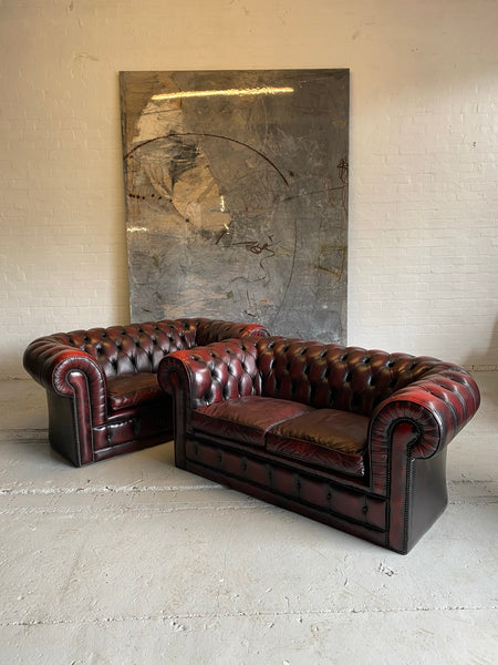 Amazing Matching Pair of Wine Leather Chesterfield 2 Seater Sofas
