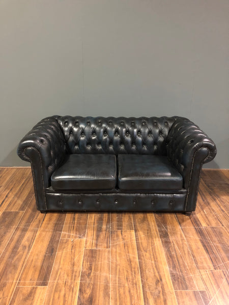A lovely little 2 Seater Leather Chesterfield Sofa in Navy Blue
