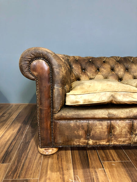 Excellent Early 20thC Antique Chesterfield