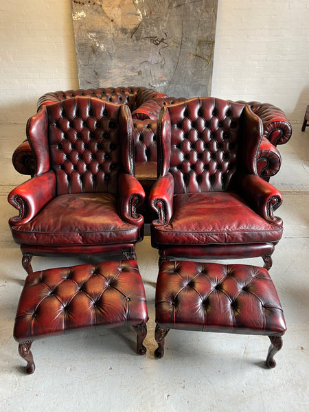 An Exceptionally Good 5 Piece Chesterfield Suite