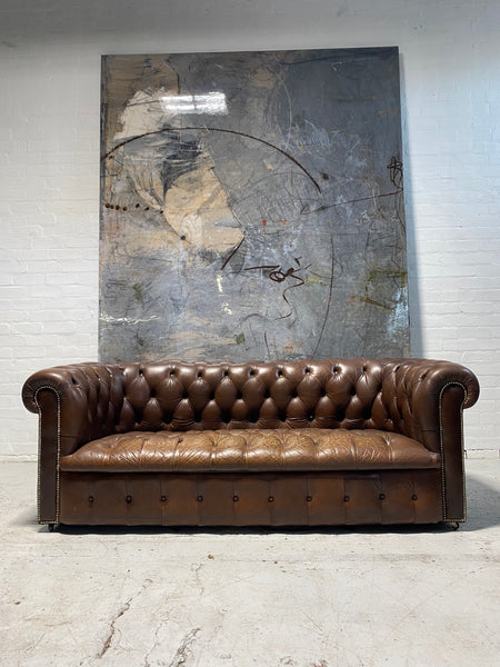 Amazing Chesterfield 3 Seater Sofa in Chocolate Browns