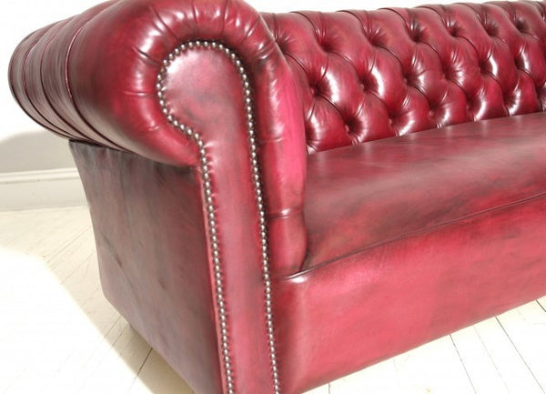 WILMINGTON CHESTERFIELD SOFA : GRAPE