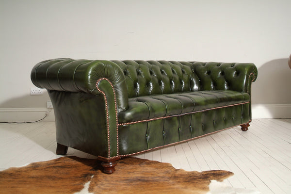 19TH CENTURY CHESTERFIELD SOFA : COUNTRY GREEN
