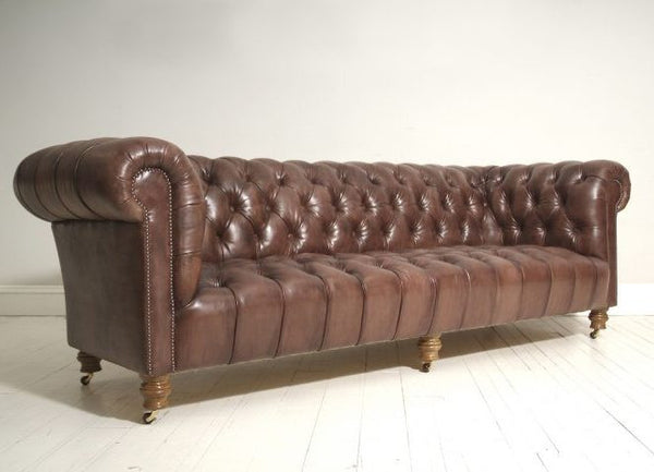 MILENA SOFA : RICH OAK