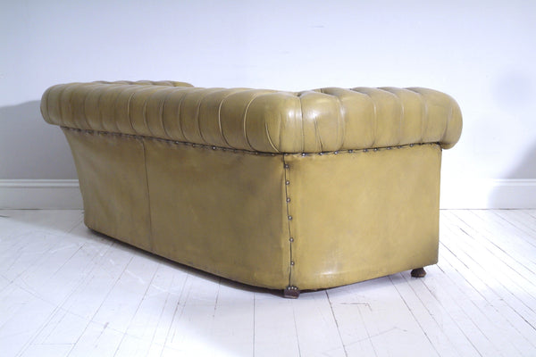 VINTAGE CHESTERFIELD SOFA : MUSTARD GREEN