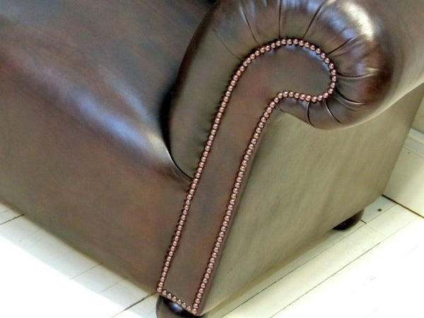 THE GODERICH UNBUTTONED CHESTERFIELD SOFA : WALNUT