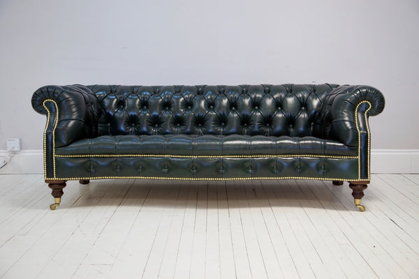MARIA CHESTERFIELD SOFA : DARK FOREST GREEN