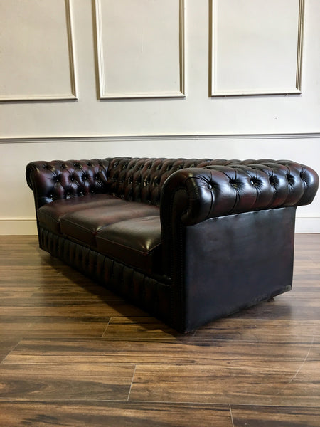 A super little Used 3 Seater Leather Chesterfield Sofa in Wine