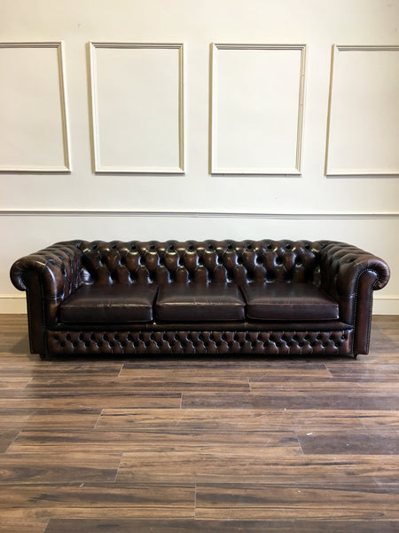 Chesterfield Sofa in a dark brown leather