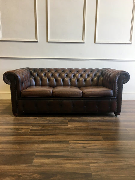 A Very Good Vintage Leather Chesterfield Sofa in Rich Browns