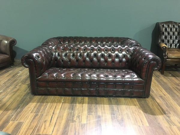 Fully Buttoned Chesterfield Sofa