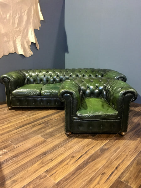 Fine Vintage Rich Green Leather Chesterfield Chair